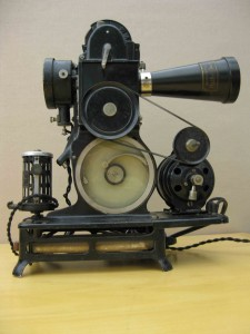 1920s-pathe-baby-9-5mm-projector2