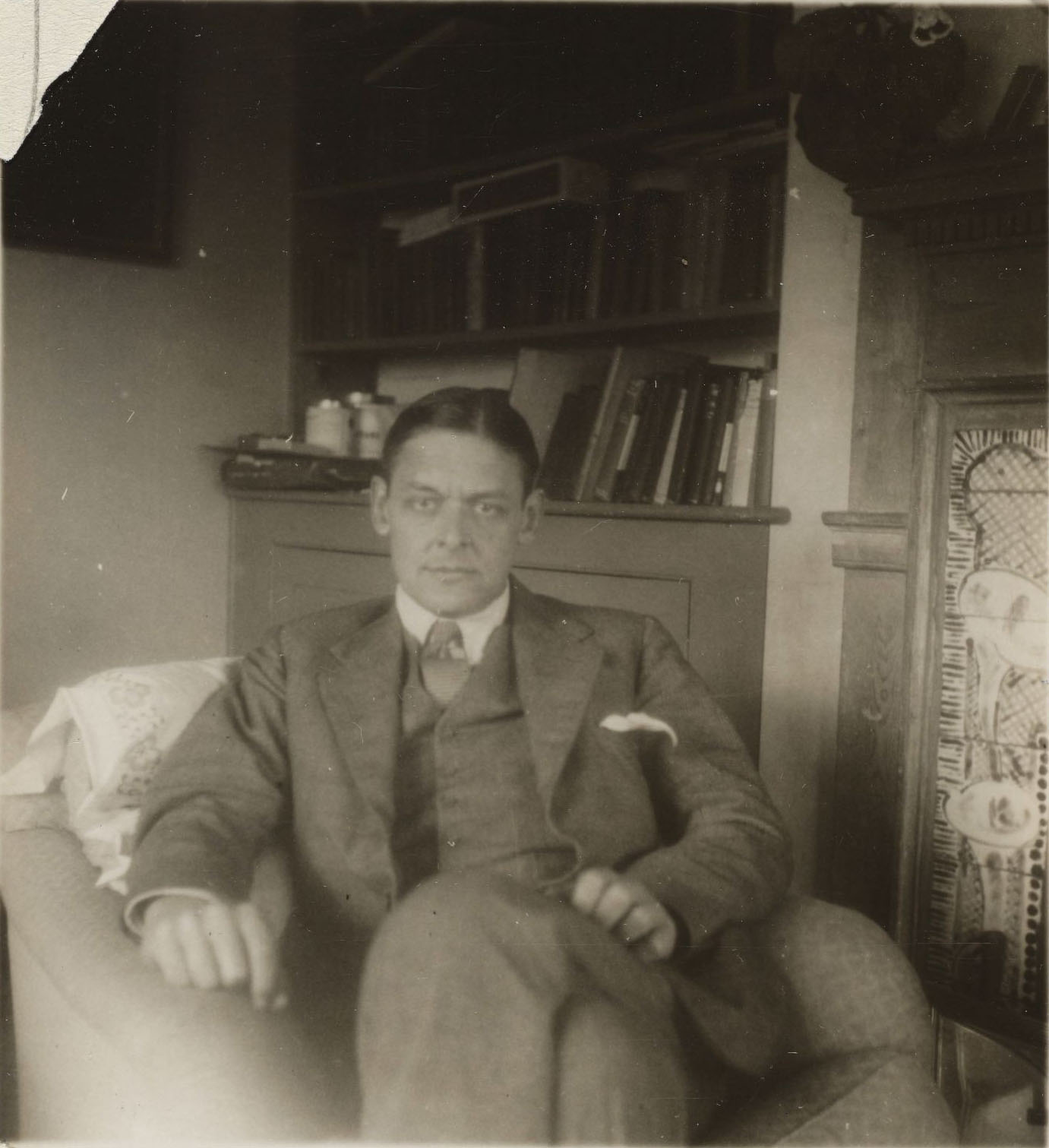 T.S. Eliot at Monk's House. MS Thr 562 (108)
