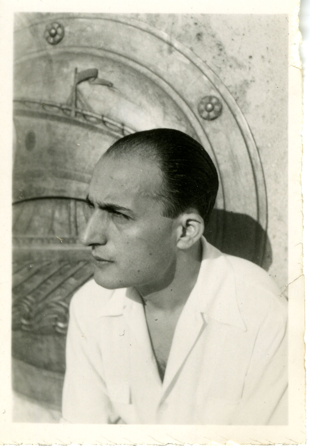 The poet at 28 years old (1939-40)