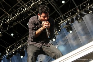 Music industry and Lean Media example: Deftones performing in Brazil. Photo by tatu43/flickr, licensed under creative commons.