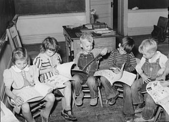 children-reading-1940.jpg