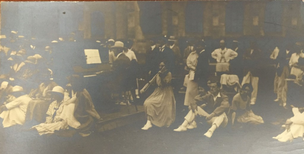 Photo from the Cheltenham Summer School of Folk Song and Dance which accompanied letter from Sharp to Aldrich, Nov. 30, 1920, Ms. Coll. 131 (141)